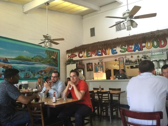 Clemente Seafood Restaurant: Quaint and laid back!