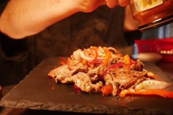 The Elwes Arms: Tasty Homemade Fajitas