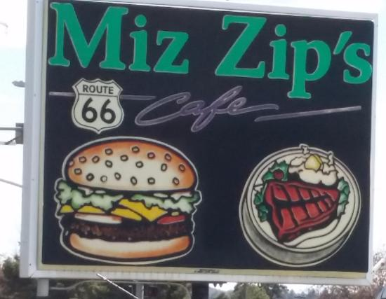 Miz Zip's: Road side sign that drew us into the restaurant