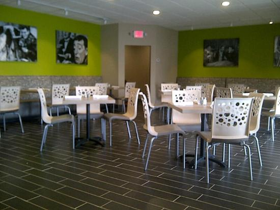 Forest Hill, MD: Dine In area