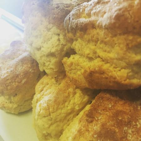Monto, Австралия: Fresh bake handmade scones is a regular thing