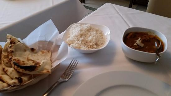 Tulsi : Nan, rice and chicken.