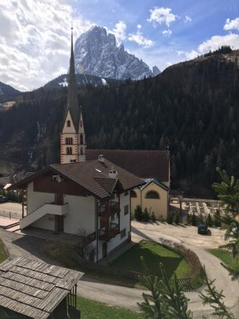 Santa Cristina Valgardena, Ιταλία: Village and trail head