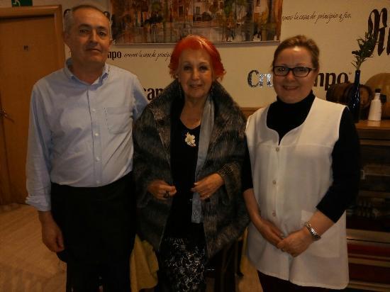 Alcaudete, Hiszpania: Hoy casa Rafa Rafa hemos tenido la suerte de recibir ala periodista Rosa Maria calaf una periodi
