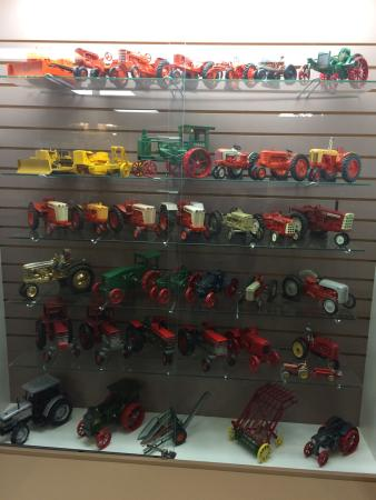 photo0 jpg - Picture of National Farm Toy Museum, Dyersville