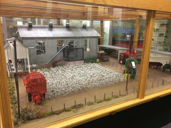 National Farm Toy Museum: photo5.jpg