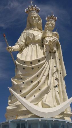Oruro, بوليفيا: Monumento a la Virgen del Socavon
