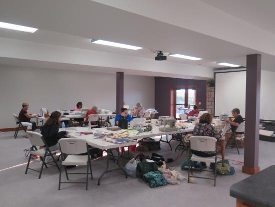 Clay Center, KS : Craft weekends welcome!