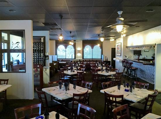 Flying Fish Cafe: Dining Room