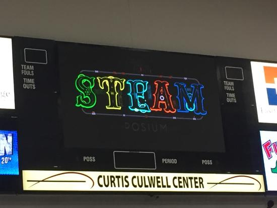 ‪Curtis Culwell Center‬