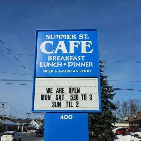Summer St. Cafe: This is the sign outside the restaurant. Can't miss it!!!