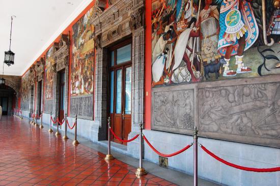 Plaza de armas al interior del palacio nacional picture for Diego rivera mural palacio nacional