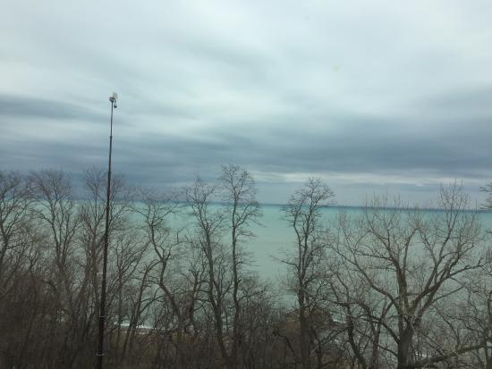 North Chicago, IL: Serene views