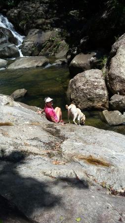 Casa Flamboyant : Obi and Kathy at the falls
