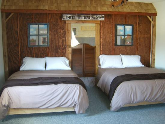 Chariton, IA: Western Themed suite