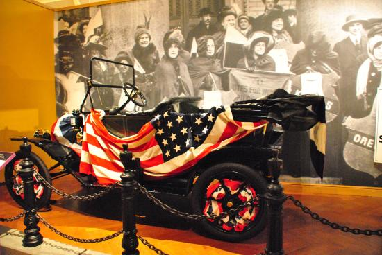 Museo de Henry Ford: Campaign car for women's right to vote.
