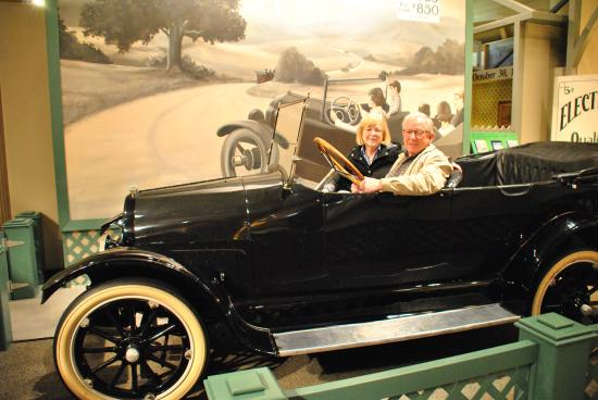 Museo de Henry Ford: Taking a spin in a Model T Touring Car