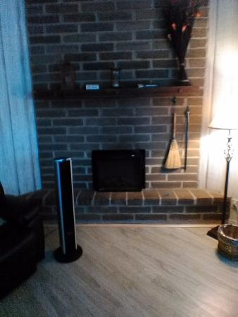 Carmel Valley, CA: Great rooms two bedrooms fire place. Had a great time
