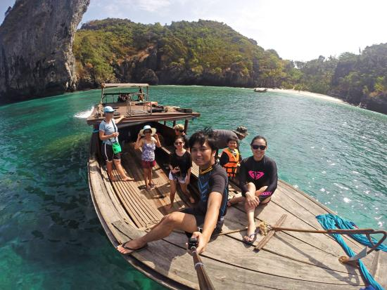 Andaman Camp and Day Cruise: before jumping off the boat :P