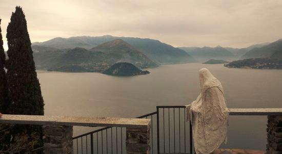Hotel Il Portichetto: The view from Castello di Vezio, nearby Casa Cristina