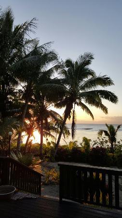 Ha'atafu Beach Resort: 20160409_182515_large.jpg