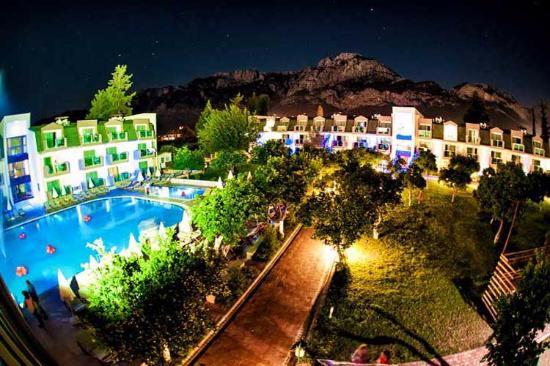 Batont Garden Resort Hotel Foto