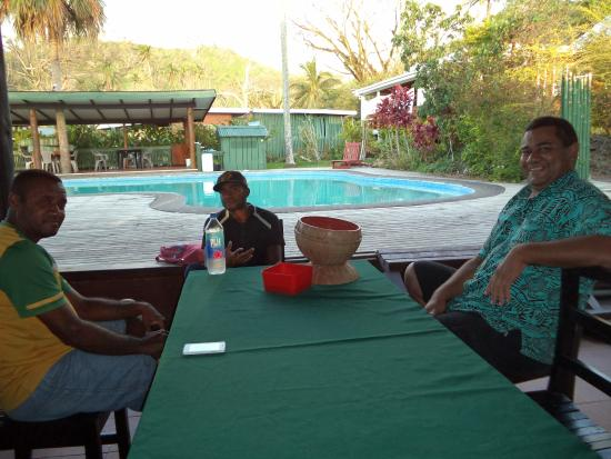 Daku Resort: Hanging out with some of the staff