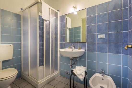 Hotel Ferretti: Bagno privato esterno