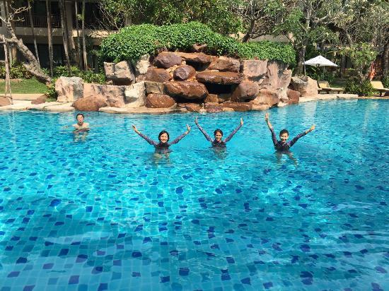 Ravindra Beach Resort & Spa: Love this pool at Ravindra.