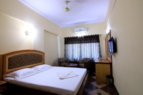 Aura Inn: Executive A/C Room