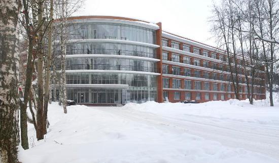 Красный Холм, Россия: Основной корпус санатория
