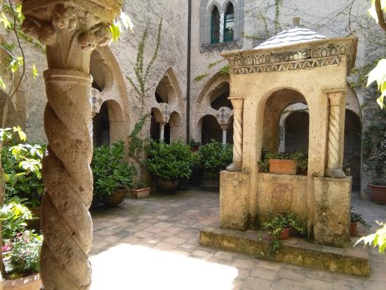 Viale dell 39 immenso foto di giardini di villa cimbrone ravello tripadvisor - Giardini di villa cimbrone ...