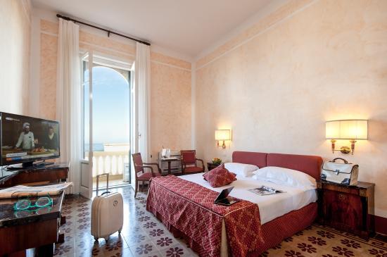 Grand Hotel Royal, BW Premier Collection: camera vista mare con balcone