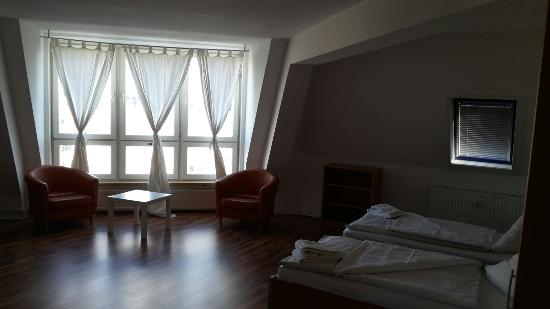 Apartments am Brandenburger Tor : 20160407_172433_large.jpg