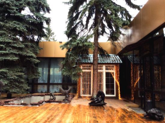 Yunost Hotel: Внутренний дворик Отеля