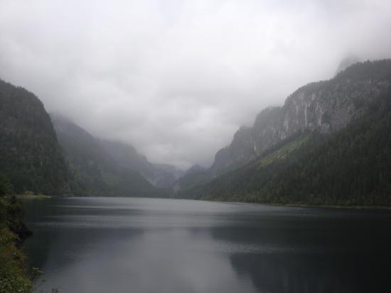 Gosau, Austria: горы и вода