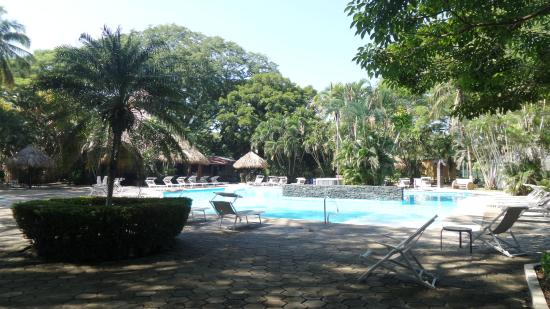 BEST WESTERN El Sitio Hotel & Casino: Beautiful pool area