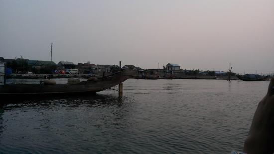 Dam Chuon Huong Quan