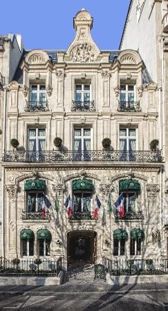 The Most Romantic Restaurants In Paris - traveltriangle.com