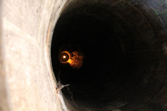 Tiefer Brunnen