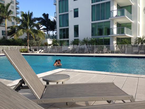 North Bay Village, FL: Piscine de la Résidence