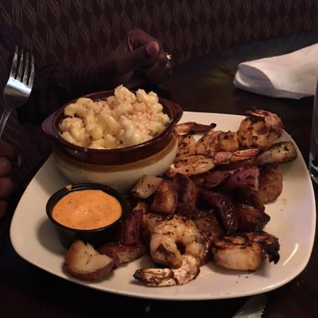 บริดจ์วิลล์, เพนซิลเวเนีย: Grilled Shrimp with Mac 'n Cheese