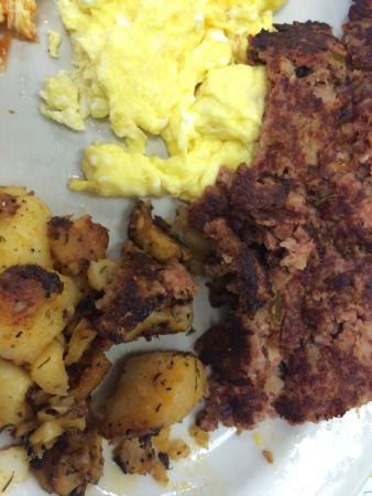 Busy Bee Restaurant : Fast service, hot basic breakfast