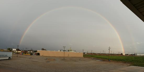 Larned, KS: The view from my room was a parking lot and box store, but after a short rain, things brightened