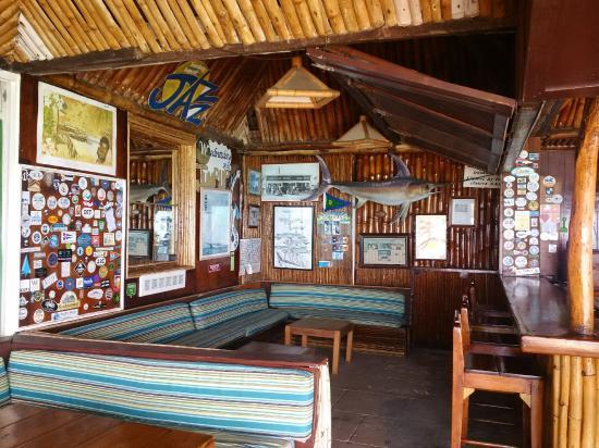 Basils bar: Basli's Bar