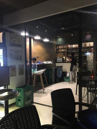 Get Real Cafe + Bar