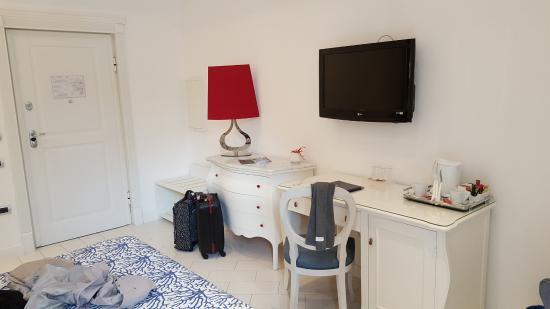 Bureau chambre 1003 picture of la ciliegina lifestyle hotel