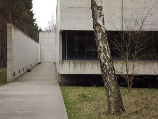 Берген, Германия: Bergen-Belsen Memorial museum building