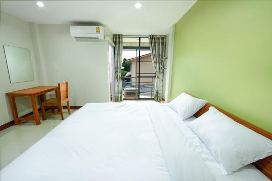 Mae Sot, Thailand: King bed room