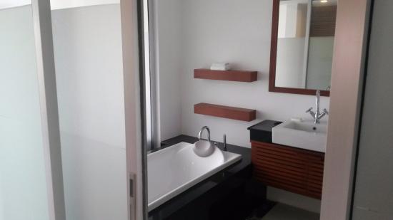 Phuket Bike Resort: Bathroom